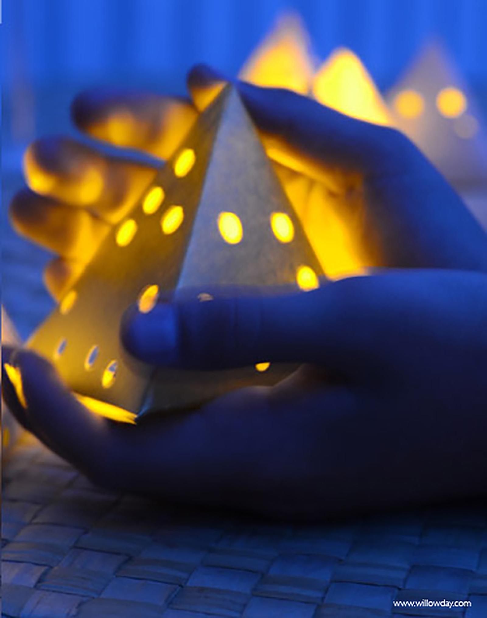 1600 Paper Lantern NEW