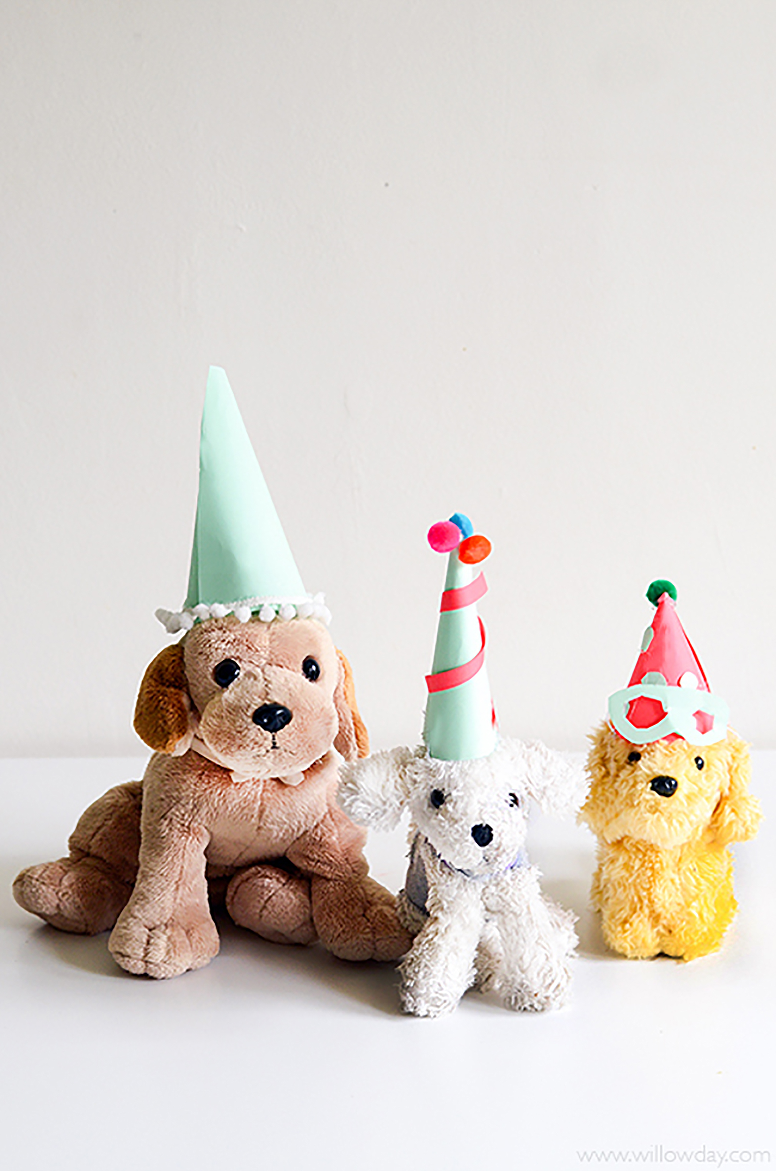 1600 Puppy-Party-Hat-AWHITE-PUP_NEW