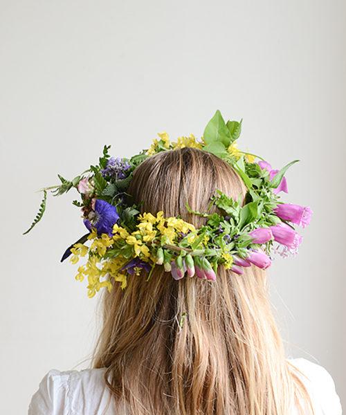 1600FRancesca-with-Flower-WreathB500