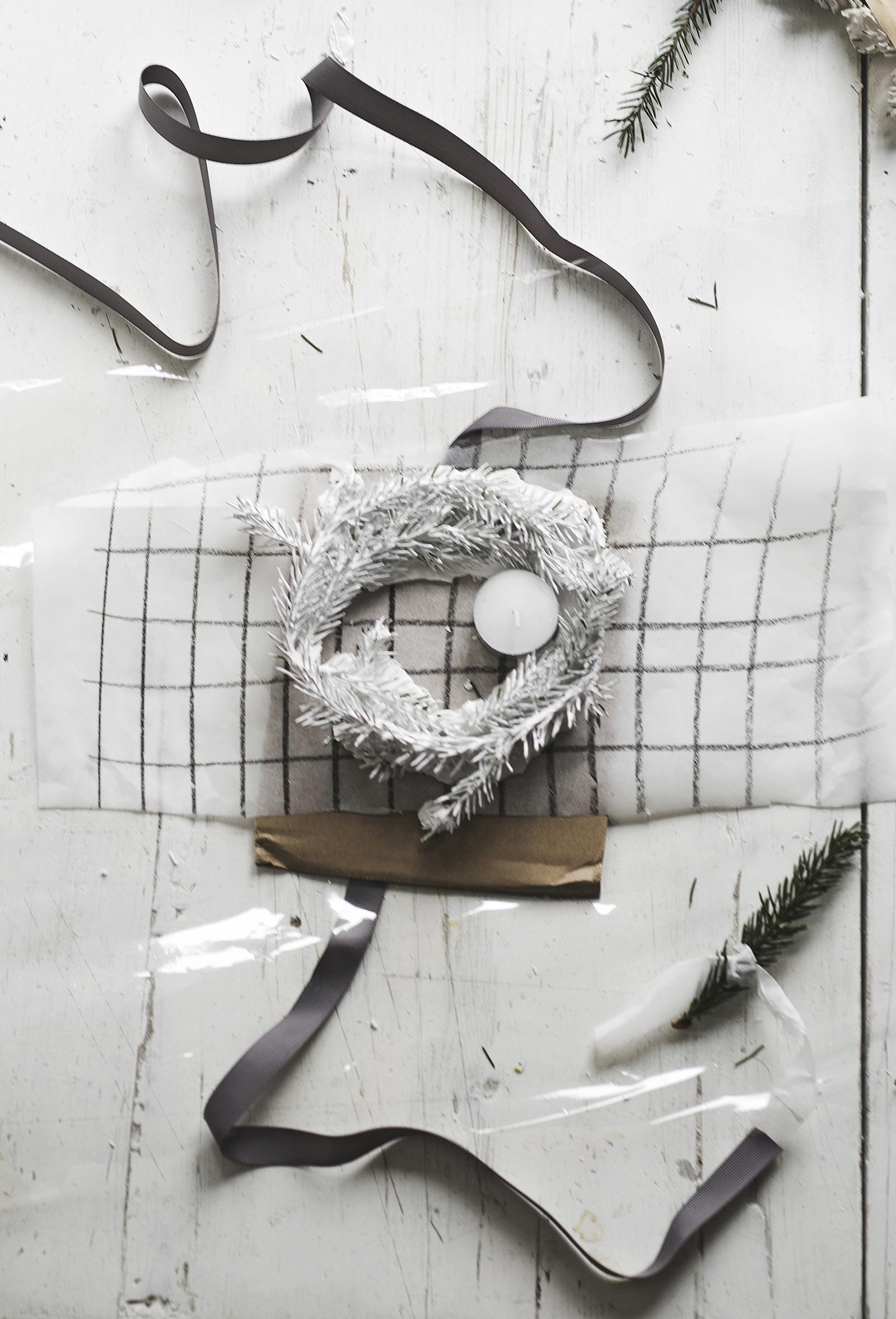 Dec1 Plaster Wreath_GIFT